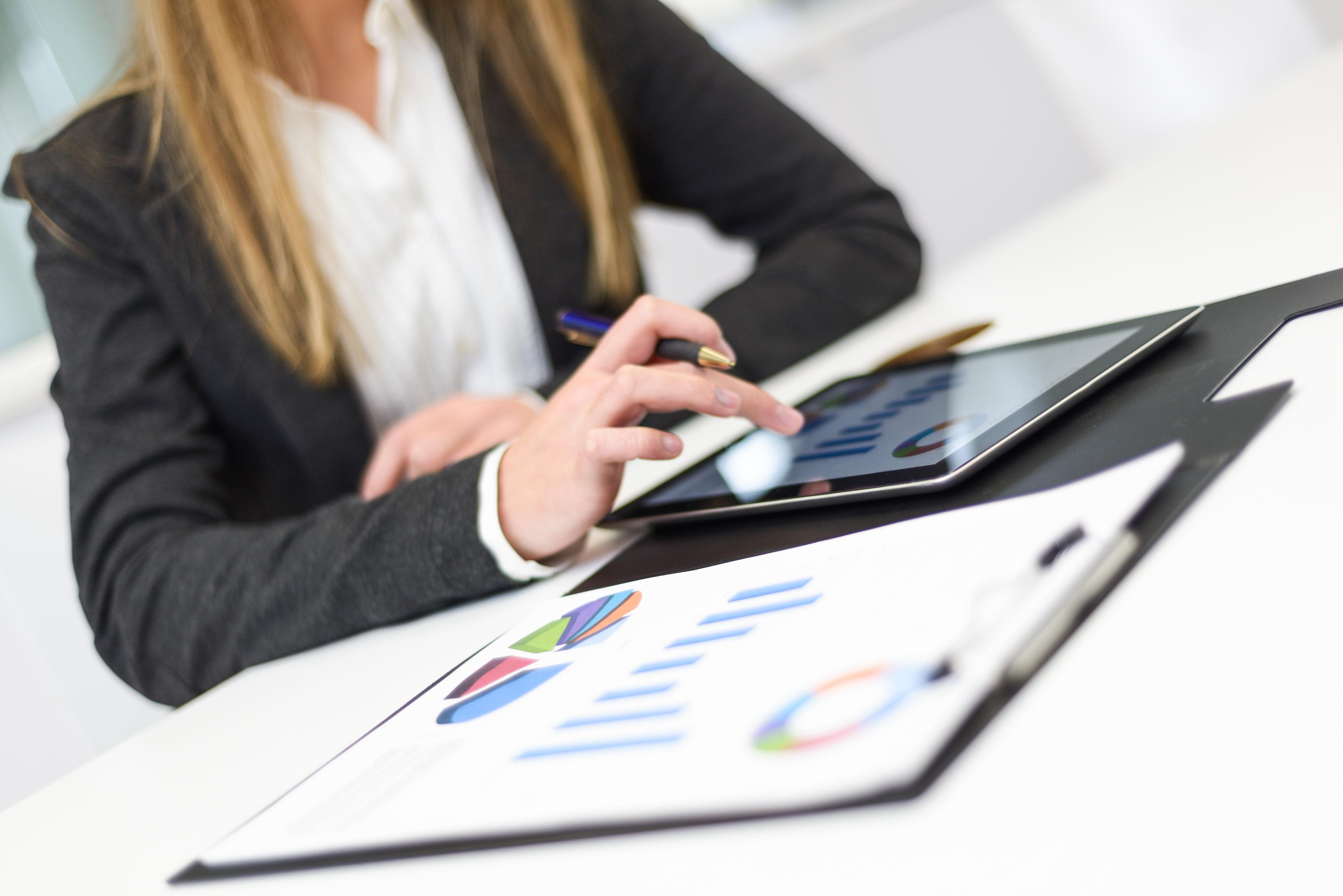 ventajas-de-calcular-el-presupuesto-de-nomina-con-herramientas-online.jpg